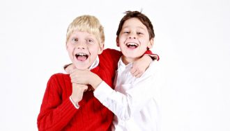brothers-1113805_960_720